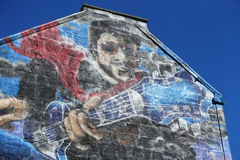 Gerry Rafferty mural on Brown's Lane
