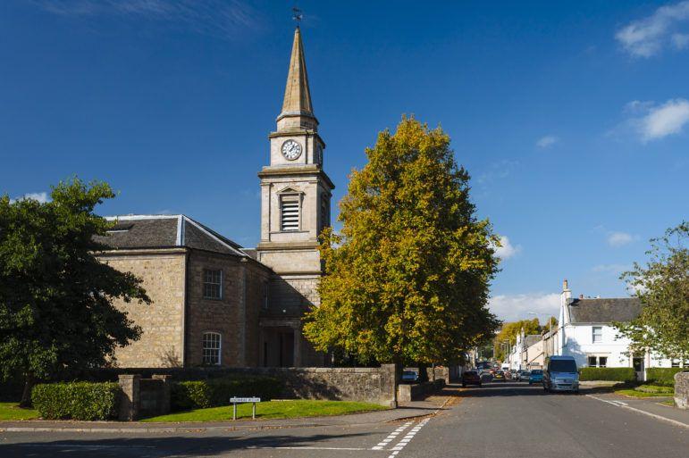Lochwinnoch town centre