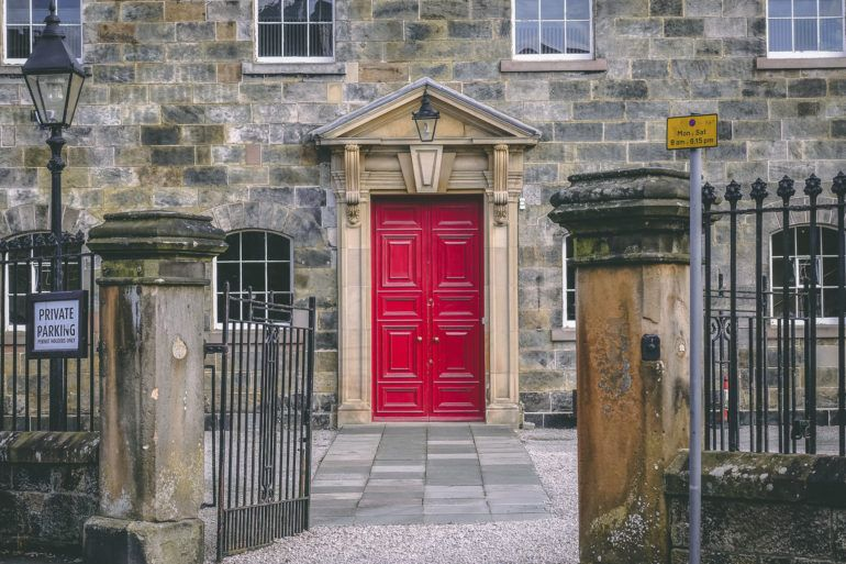 Paisley Oakshaw Trinity Red Door