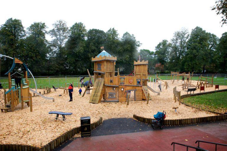 Playground Robertson Park, Renfrew