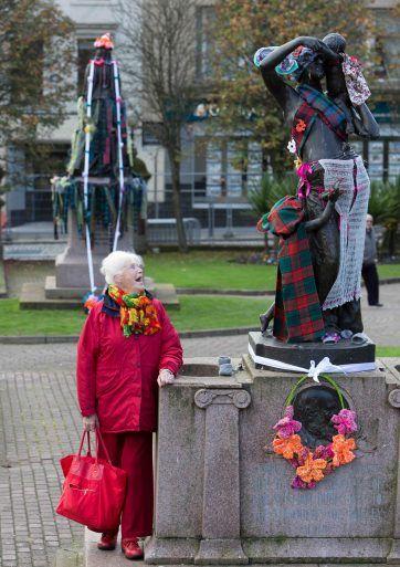 Yarn Bombing Paisley