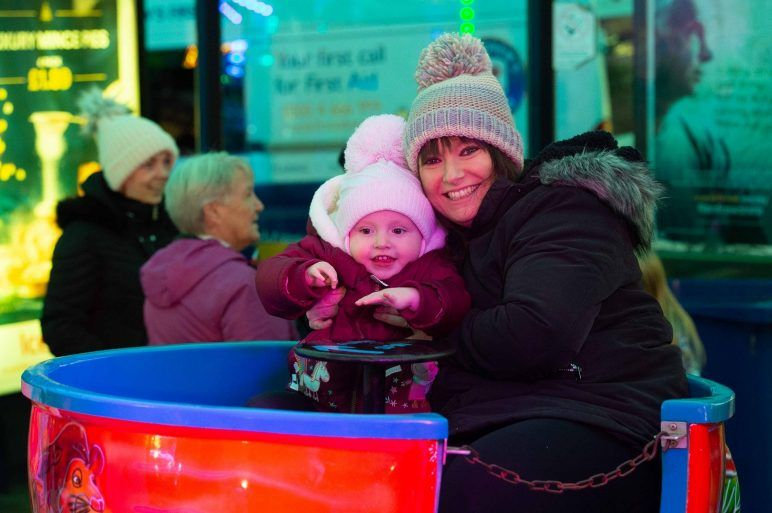 Family enjoy Johnstone Christmas Lights
