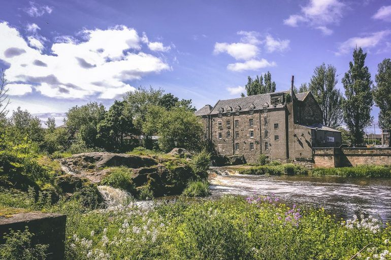 Watermill Hotel in Paisley in summer